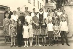 Teutoburger Wald: Ferienfreizeit mit dem SV Großefehn (1967). (A.W.: hinten 4.v.l.)